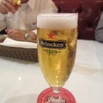 22204263 - 到着した日はチェックインまで一時間程時間があったのでそれまで男性3人でビールタイムです。