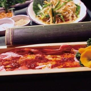 スタミナ抜群の肉料理も豊富!!!