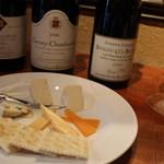エル・ボン・ヴィーノ - ワインにはやっぱりチーズ♪お好みのワインを探してみてはいかがでしょうか♪