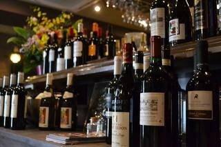 ボーノボーノ - 世界中のワインをグラスだけでも20種!リーズナブルなものから高級なものまで!!