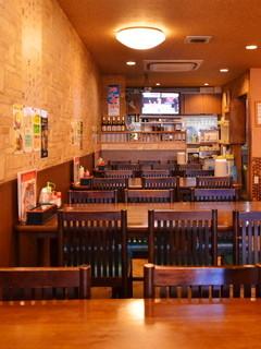 台湾料理 味鮮館 - 店内