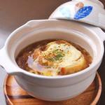 東輝 - オニオングラタンスープ 650円