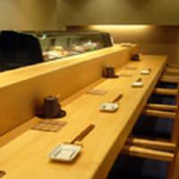 鮨やまと - カウンター席 11席