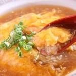 龍潭 - 料理写真:人気の天津飯 ふわふわトロトロ優しい味が人気