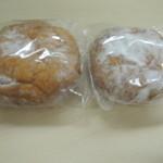 22229550 - 揚げパン 130円 こしあんで美味しいです。