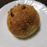 22233377 - 焼きカレーパン(150円)