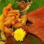 岩亀 - マグロ赤身(660円)赤貝(660円)