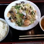 台湾料理 百楽門 - 海鮮と野菜炒め(@900)