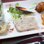 フランス家庭料理  グランダミ - 少しずつ、いろんな種類を召し上がって頂けます♪