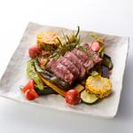 お野菜びすとろ 志あわせ - 岩手県山形村短角牛のステーキ たまり醤油ソース