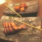 サントリーバー&ダイニング カーナバル - 貝柱と豚バラの燻製はウイスキーによく合うね♪ 2013/11
