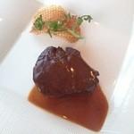 ティラ - 牛フィレ肉 フォンドボーソース
