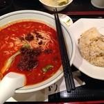 龍驤 - 坦々麺&炒飯セット 700円
