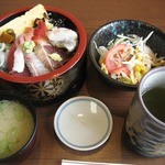 22249907 - 海鮮丼¥1,000