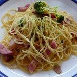 2225346 - オリーブオイルのパスタ:ベーコンとブロッコリーのピリ辛風味¥790
