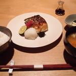 代官山 米花 - 秋さば塩焼 1,600円