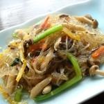 ぢゃがるち韓国料理 - 料理写真:春雨のチャプチェ