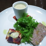 marunouchi cafe 倶楽部21号館 - オードブル 旬の栗のポタージュ パテドカンパーニュ 紫芋と人参や南瓜など根菜のトルティージャ