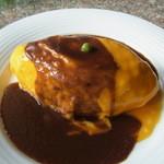 カフェ・ノビロ - オムライス(950円)ふんわり、とろっとした卵が美味