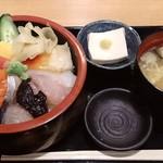 築地 魚一 - 築地 魚一 西葛西店 海鮮丼 700円