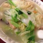 東海飯店 - ワンタン麺