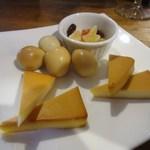 煙キッチン - (13.10)チーズ・うずら玉子の燻製