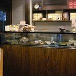 オーブン・ミトン カフェ - テイクアウト用のカウンター。今回は時間がなくて喫茶室には入らず。