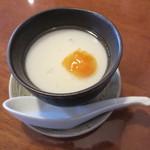 旬菜中華工房 - 本日のデザート(150円)は杏仁豆腐。