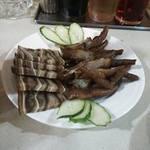 菜香飯店 - お酒のおつまみに・・・豚耳と鶏の脚☆