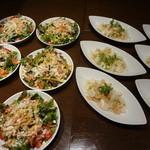 日比谷Bar - ぱりぱりスパイシーシーザーサラダ、タコとフレッシュ野菜のマリネ