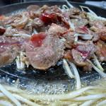 Kamui - 長沼ジンギスカン調理中