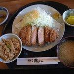 2227992 - 極上桃豚ロースかつ定食(160g1,480円)