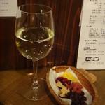 スタンディング 8オンス - 井筒ピノプランワイン白とドライフルーツ