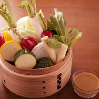 鳥玄 - 「温野菜のサラダ」旬の野菜をふんだんに使用しました。