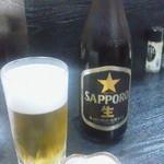 22274891 - 131101東京 棟梁 瓶ビールとお通し(ポテトサラダ)