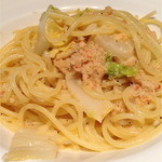 イル ポッツオ - 紅ズワイガニと白菜のクリームパスタ