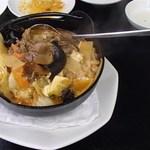 四季紅 - 牛スジの鍋(980円)