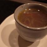 時の宿 すみれ - テールと松茸のラビオリスープ クローブの香り