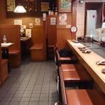 京都きん家 - 京都 きん家 @西葛西 店内 手前に掘り炬燵式の座敷席もあります