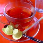クレプスキュール・カフェ - ホットの紅茶(ポットでの提供)