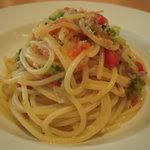 パオロ ロッシ - 縮緬ジャコとブロッコリーのスパゲッティ