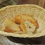 ビストロ アンコニュ - 生姜入りの美味しいパン