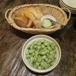 ビストロ アンコニュ - フランスのそら豆