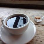 CLAMP COFFEE SARASA - 丸みのある肉厚カップです。