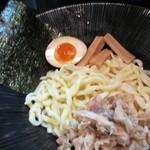 くるり - 辛味つけそば(麺少な目半玉) 800円