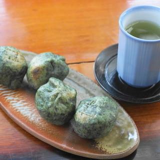 丸山菓子店 - 料理写真:2013.10 万葉のくさもち(5個入りで600円)