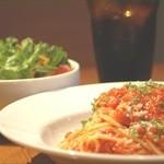 ポポラーレ - パスタランチ! 定番トマトソース