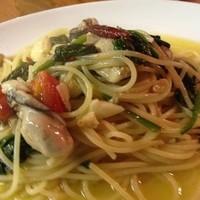 ポポラーレ - 牡蠣とほうれん草のガーリック風味スパゲティ