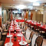 レストラン プリミエール - ウエディングパーティーでも使えるおしゃれな宴会場はアットホームに新郎新婦をお祝いできます