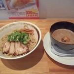 喫茶Live - つけ麺(太麺)750円